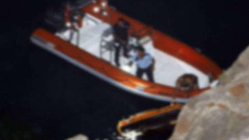 Foça'da zodyak bot devrildi can kaybı var