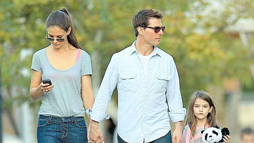 Katie Holmes kızıyla birlikte görüntülendi