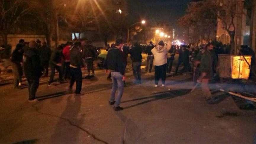 Tansiyon yükseldi! İran'ı karıştıran gözaltı… 3 polis öldürüldü