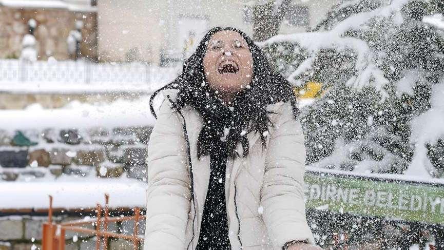 İstanbullular dikkat: Kar şiddetini artıracak! Meteoroloji'den uyarılar! Yurtta hava durumu