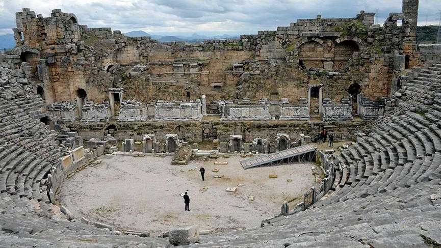 İki bin yıllıkantik tiyatroya ilk restorasyon