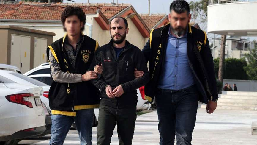 'Polisiz' diyerek 414 bin lira gasp ettiler