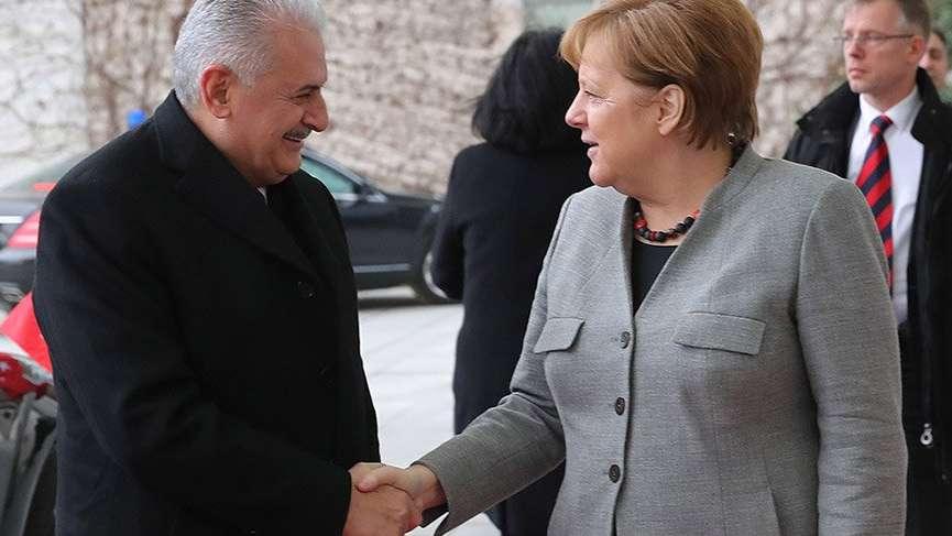 Başbakan Yıldırım ve Angela Merkel'den bir yıl sonra dev zirve