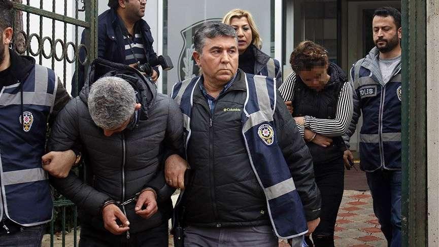 Antalya'da yaşlı adama, çıplak kadınlı şantaj iddiası! Kasketle işaret verdiği polis, şantajcı çifti gözaltına aldı