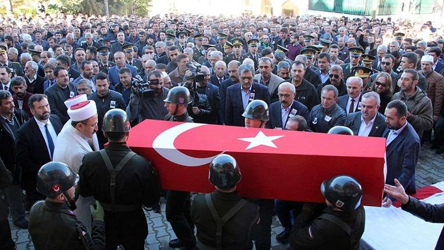 Şehit Uzman Çavuş Şükrü Ünlü'yü Karaman'da 5 bin kişi uğurladı