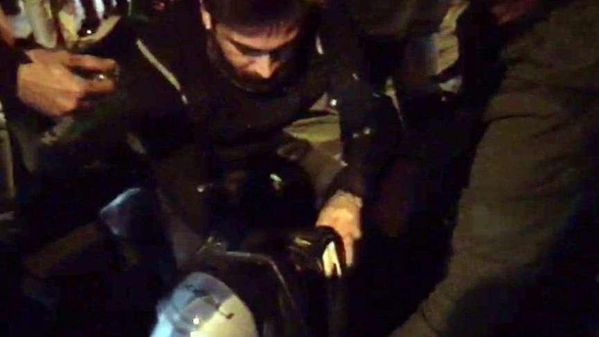 Kadıköy'de minibüsçüler motorcu çifti feci şekilde dövdü
