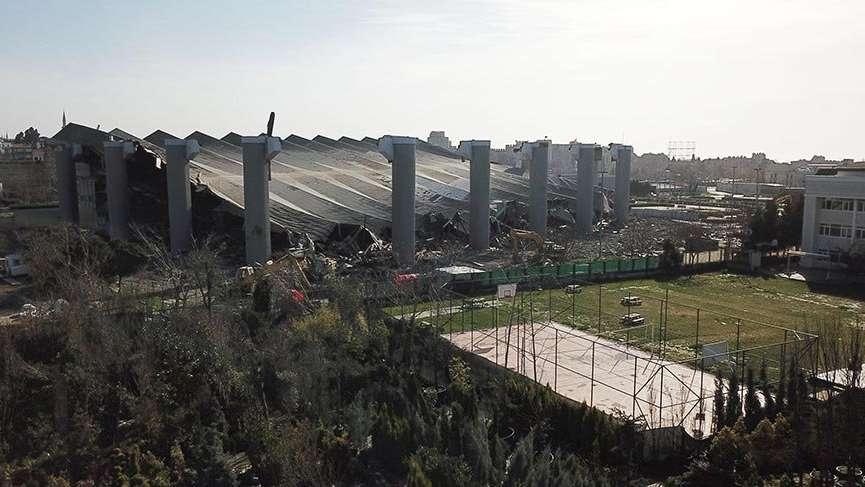 Abdi İpekçi Spor Salonu'nun yıkımında asbest kontrolü yapılmadığı iddiaları üzerine suç duyurusunda bulunuldu