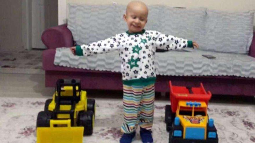 3,5 yaşındaki lösemili Yusuf Ali'ye ilik nakli yapıldı