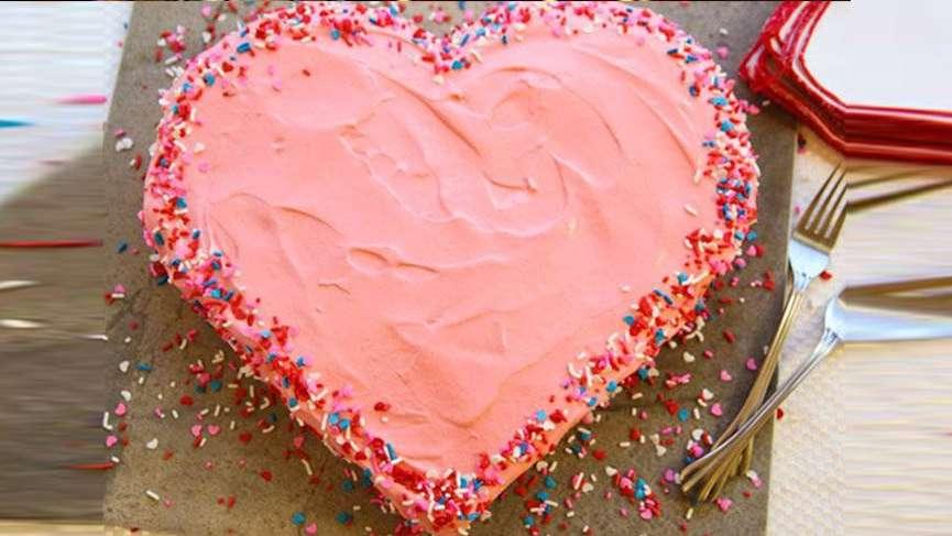 Kolay ve pratik aşk pastası nasıl yapılır?