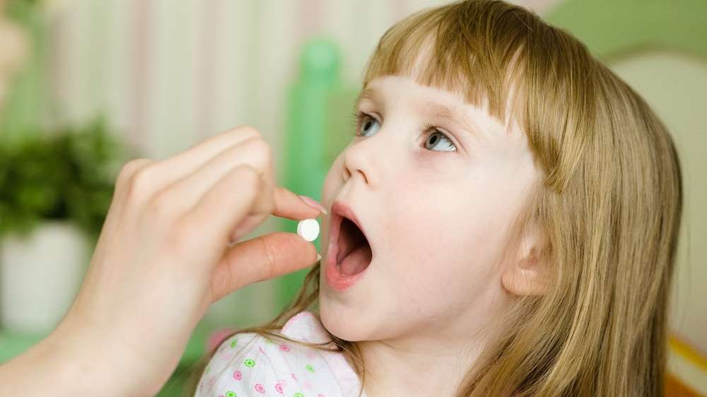 'Çocuklarınıza antibiyotik vermeden önce iki kez düşünün'