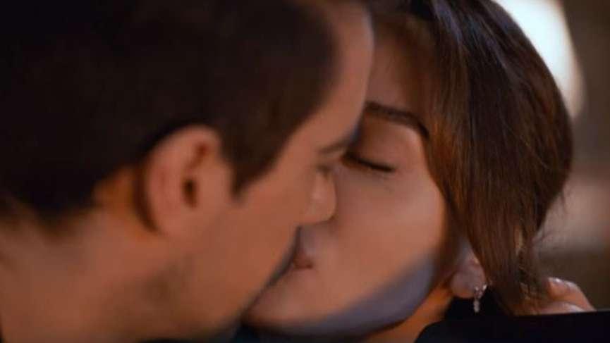 Siyah Beyaz Aşk 18. yeni bölüm fragmanı geldi Siyah Beyaz Aşk 17. son bölüm izle Güzel Çirkin'e aşık olmuş!