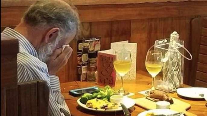 Sevgililer Günü'nde ağlatan fotoğraf