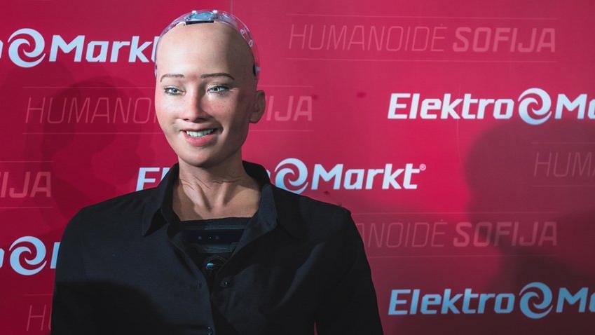 Robot Sophia Devlet Bahçeli ile görüşmeye hazır