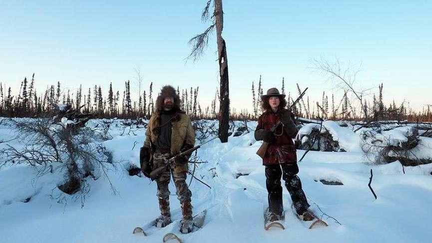 Alaska'da ıssızlığın ortasında bir ailenin yaşamı
