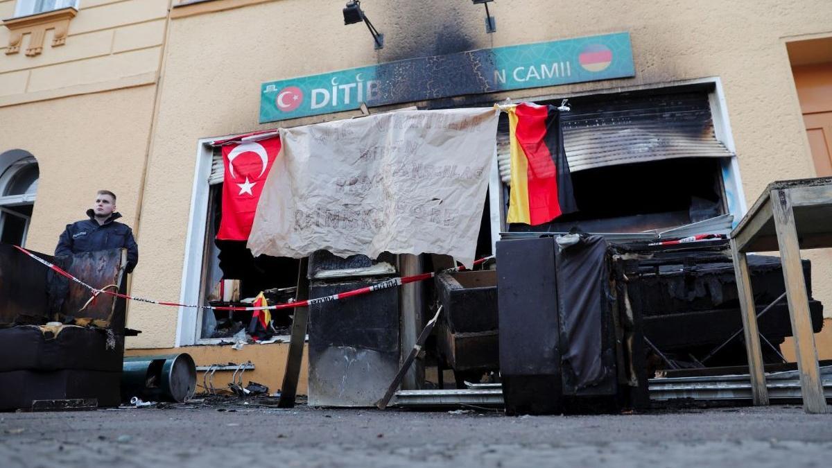 Berlin'deki Türk camisine kundaklama şüphesi