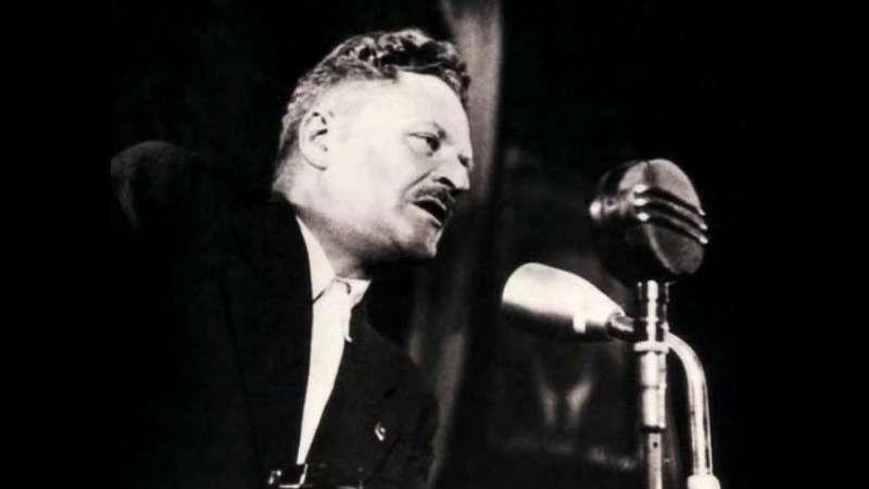Nâzım'ın Stalin için yazdığı şiir ilk kez Türkçe'de