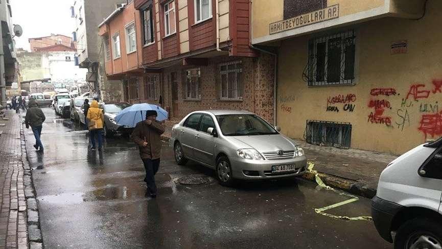 Bağcılar'da sokakta tartıştığı eşini silahla öldüren adam aynı silahla intihar etti
