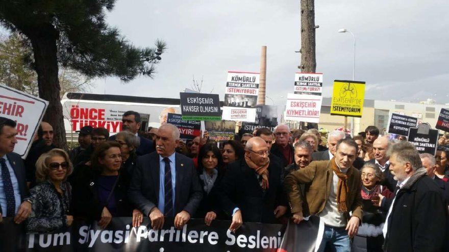 """Eskişehir'de """"Termik santrale hayır"""" yürüyüşü yapıldı"""