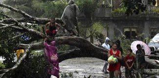 Filipinler'i tayfun vurdu