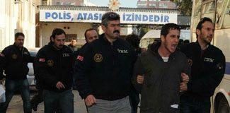 İzmir'de 17 tutuklama