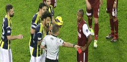 Kadıköy'de üç kırmızı kart