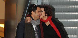 Gazetecilere özel öpücük