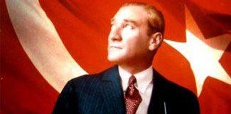 Kitaplarda Atatürk resmi unutuldu