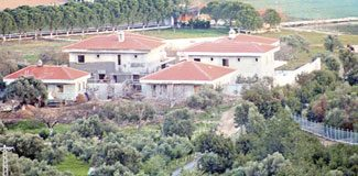 Urla'daki villalar kaçak çıktı!