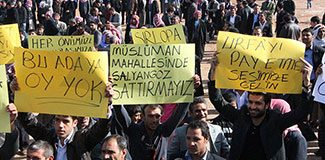 AKP'li Adaya Tepki