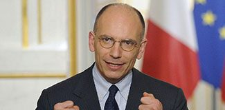 İtalya başbakanı istifa etti!
