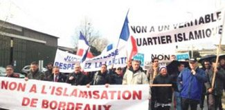 Fransa'da 'İslamlaşmaya hayır' yürüyüşü