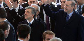 Abdullah Gül direksiyona geçti mesaj verdi!
