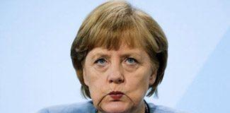 Hackerlar Merkel'i ajanlıkla suçladı
