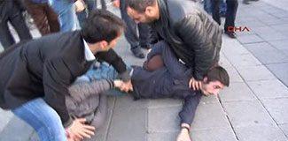 Kadıköy'de göstericiler ve polis arasında arbede!
