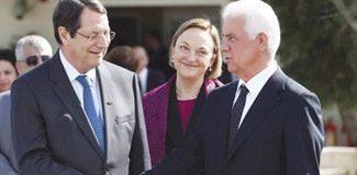Kıbrıs müzakereleri resmen başladı