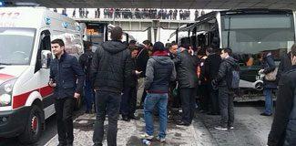 Metrobüs kazası trafiği felç etti!