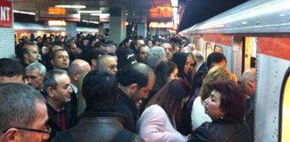 Metro sistemi plansızlıktan aksıyor
