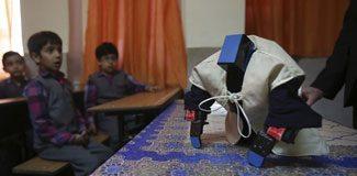 Namaz kıldıran robot geliştirildi