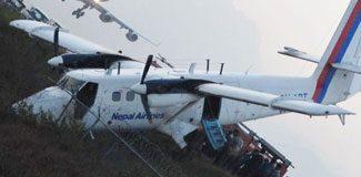 Nepal'de turist uçağı düştü: 18 ölü