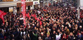 Taksim'de yolsuzluk karşıtı eylem
