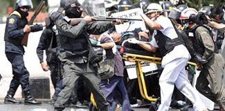 Tayland'da başbakanlık karargahı sarıldı!