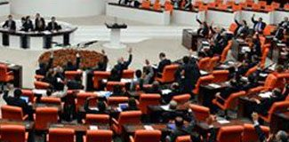Meclis'te Dombıra tartışması