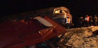 Ukrayna'da tren otobüsü biçti: 13 ölü