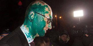 Ukrayna'da muhalif lidere boyalı saldırı