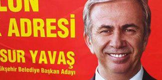Ankaralıları şaşırtan afiş!