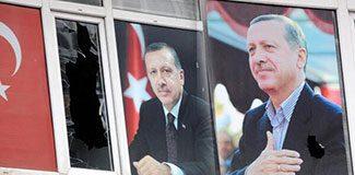 AKP binasına taşlı saldırı