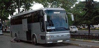 Emniyet'in önünde çalıntı otobüs
