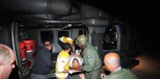 Yaralıları helikopter taşıdı
