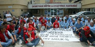 Hastane önünde Soma eylemi