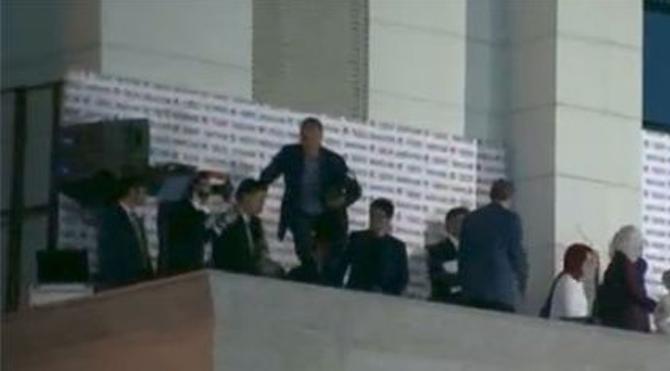 Bilal oğlan balkonda düştü